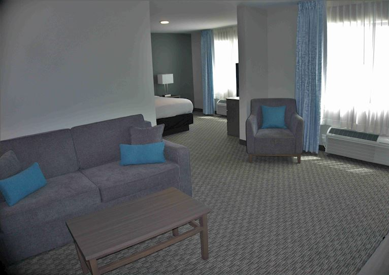 1 Room Suite at Brookstone Inn & Suites Fort Dodge, Iowa