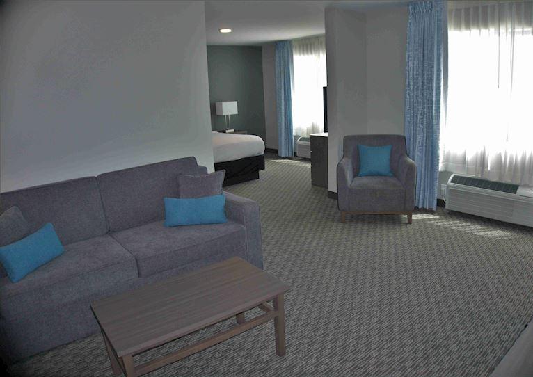 1 Room Suite at Brookstone Inn & Suites Fort Dodge, Iowa