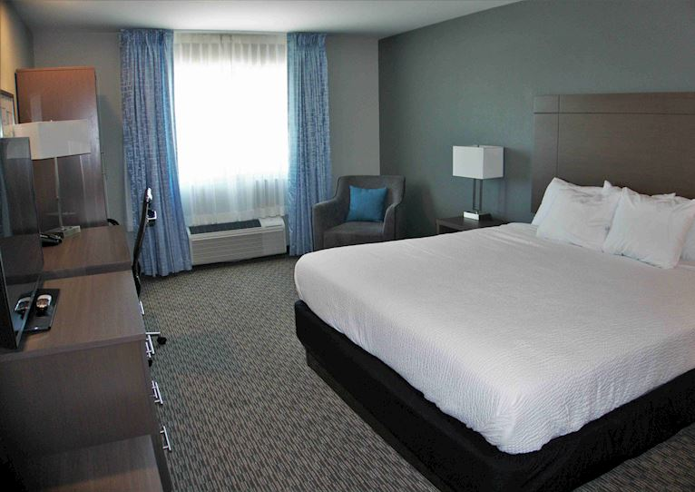 Executive 1 King Bed at Brookstone Inn & Suites Fort Dodge, Iowa